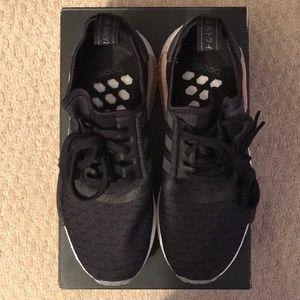 Adidas zapatos NMD R1 W Negro de carbono talla 8 cq2011 poshmark